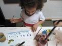 Jimena pintando a los 4 años.