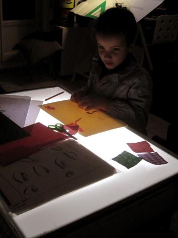 La Casa de las Quimeras talleres creativos. Mesa de luz.